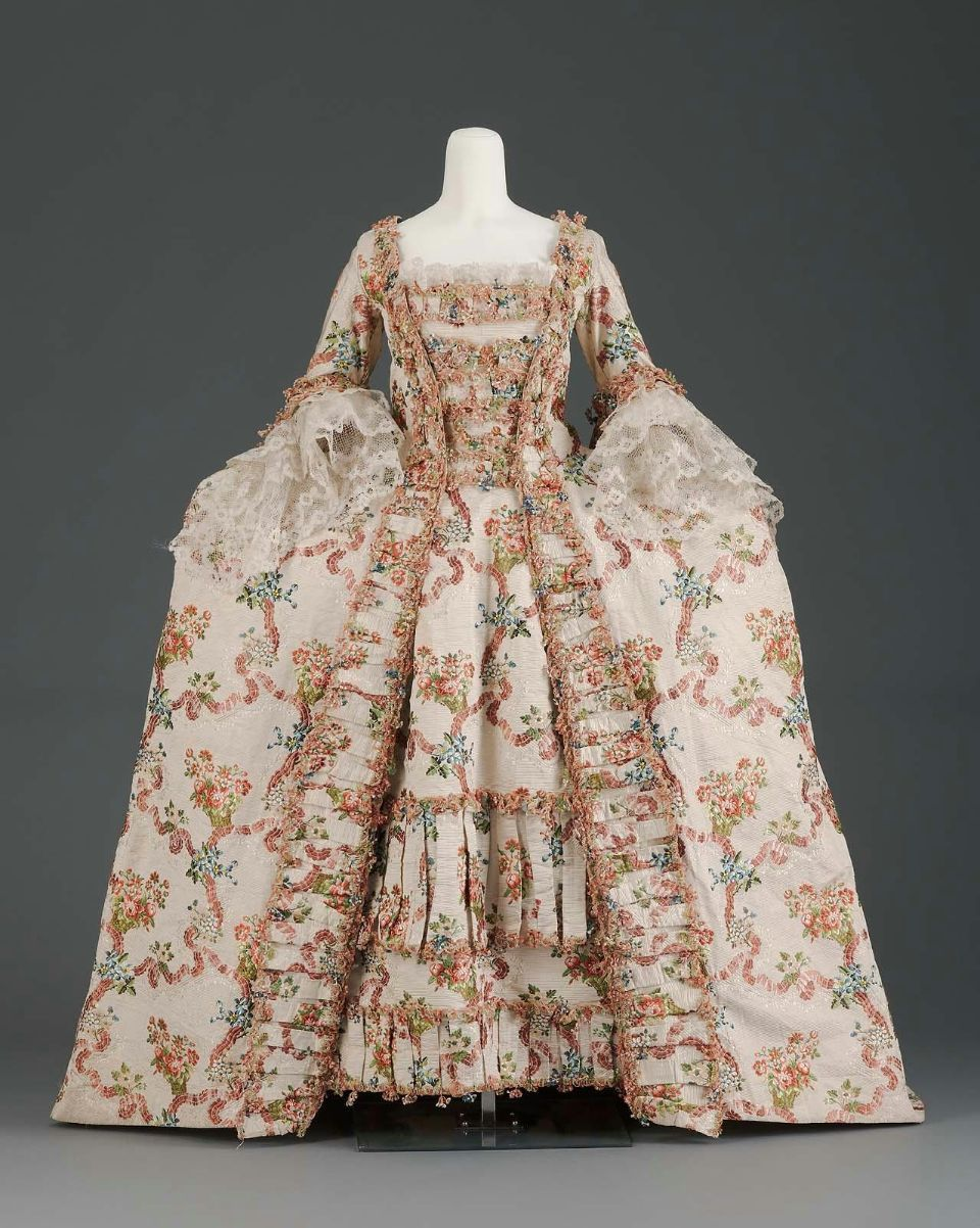omgthatdress:  Dress 1770 The Museum of Fine Arts, Boston