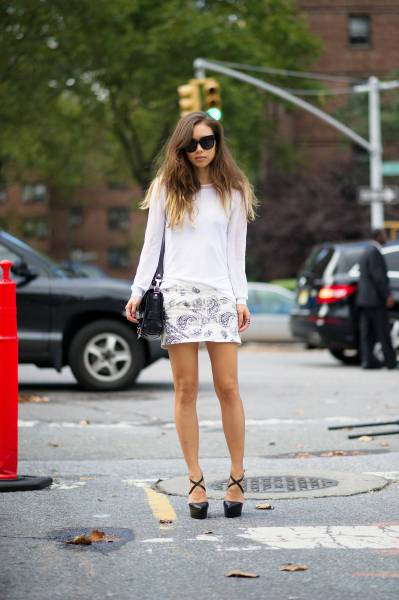 Ombre hair, paisley skirt and strappy heels, oh my…Chelsea, NYC (via Crossroads Trading)