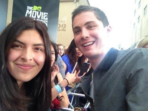 sonhando-com-logan-lerman:  LOGAN PERFECTION LERMAN WITH A FAN