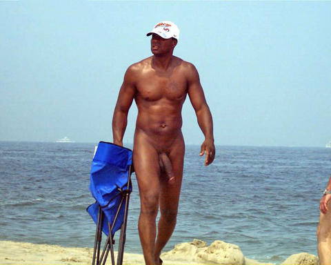 loveblkmen:  If i saw him on the beach I may have been on my knees in front of him   #Damn
