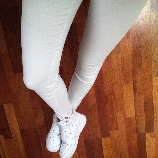 officiallanaa:  kitokos:  white on white today.  .