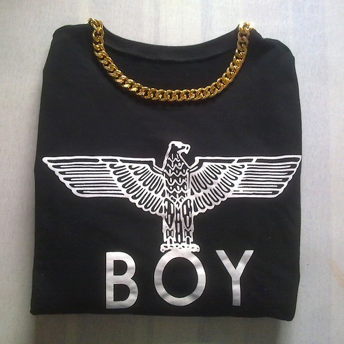 walkingwithnosense:  flyonvogue:  z-a-ra:  #new boy london sweater  perf  Follow for similar post ♥