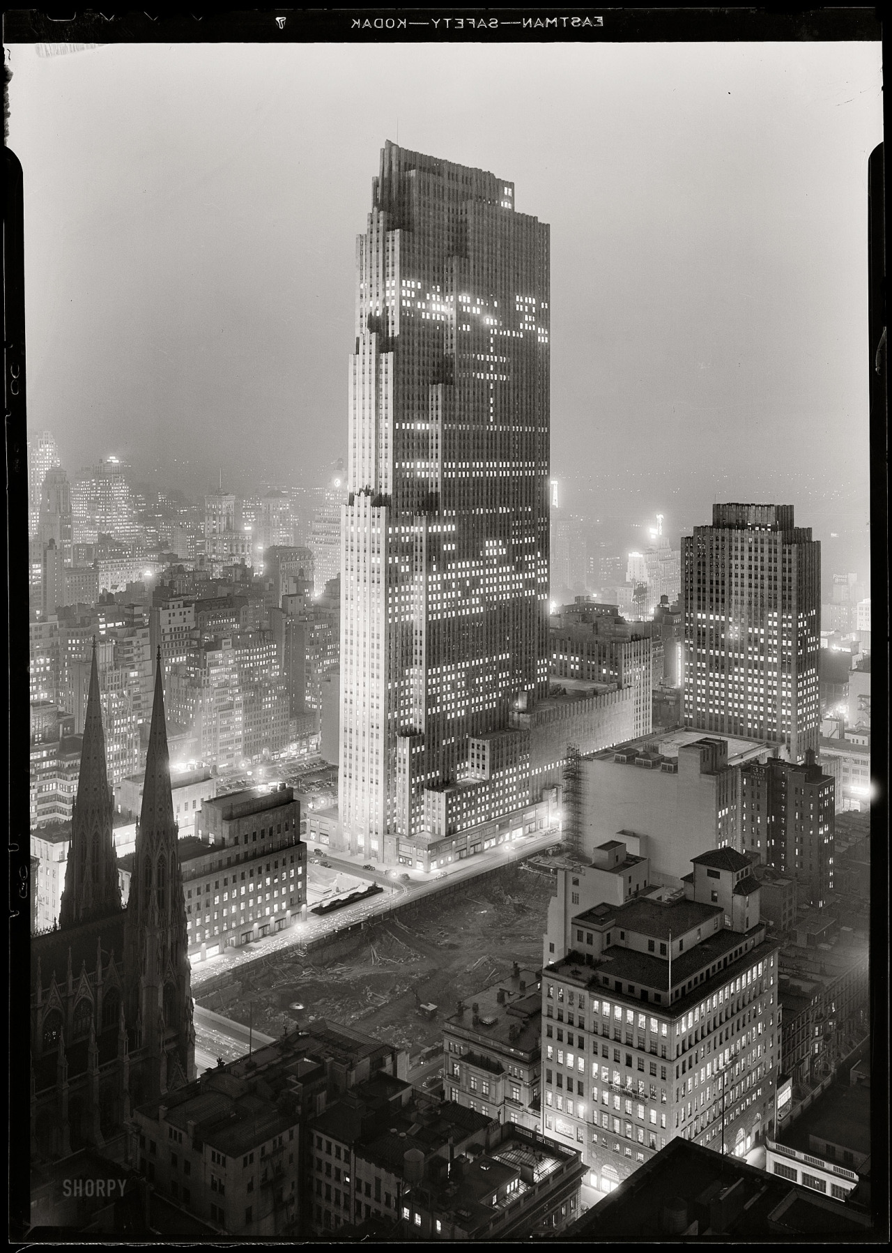 Rockefeller Center, Manhattan: December 5th, 1933 (via Shorpy Historical Photo Archive)