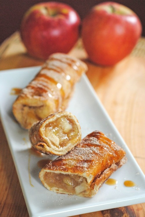 thecakebar:  Cinnamon Apple Dessert Chimichangas Tutorial  {click link for FULL tutorial/recipe}