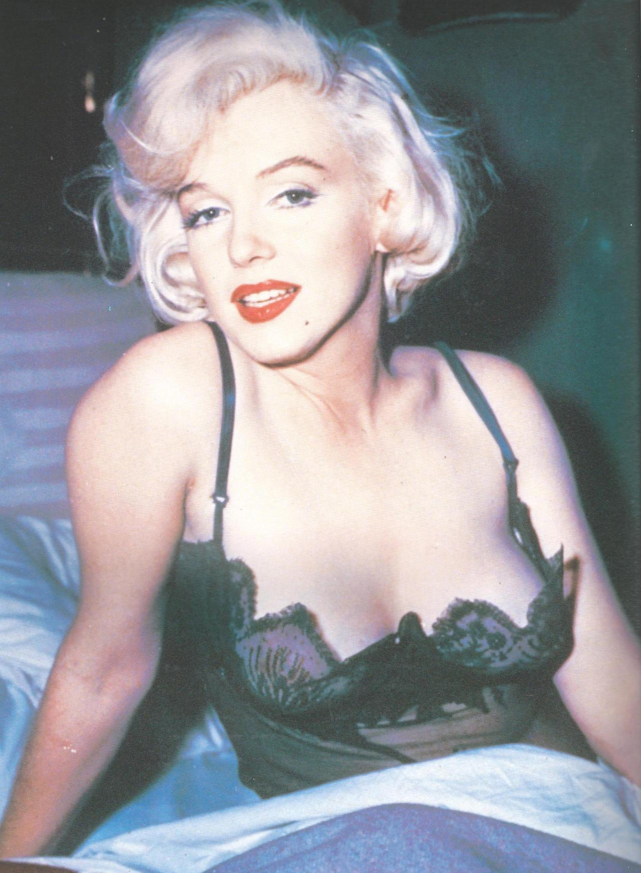 thebeautyofmarilyn:  Marilyn photographed on the set of Some Like it Hot, 1958.