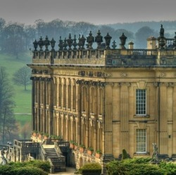 fuckitandmovetobritain:  treselise:  Via racquet-club.tumblr.com  Chatsworth House, Derbyshire, England, UK