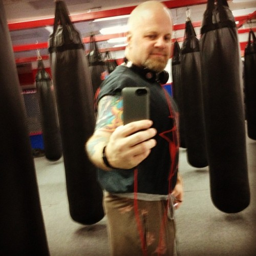 Not bad for 45 today ! #birthday #selfie  #laboxingastoria #laboxing #kickboxing #mma @la_boxing_astoria #weightloss #shirtistoobignow (at LA Boxing)