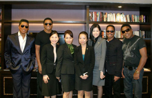 The @Jacksons pose with the sales and marketing team of Mandarin Oriental Kuala Lumpur