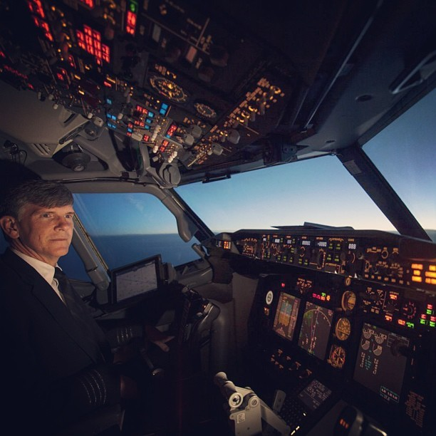 GE Aviation's Steve Fulton piloting a Boeing 737-800 from Orlando to Seattle over the weekend. Powering the plane are CFM56 engines, produced in partnership with French engine-maker Snecma. Photo by @lsannes, check out his feed for more awesome avgeek shots.