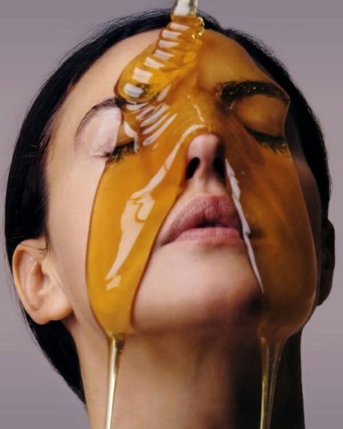maximacumlaude:  Monica Bellucci drowns in a honey downpour ph. by Fabrizio Ferri