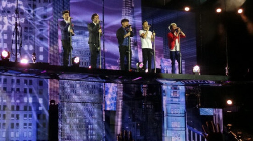 direct-news:  Take me home tour 23.2.13