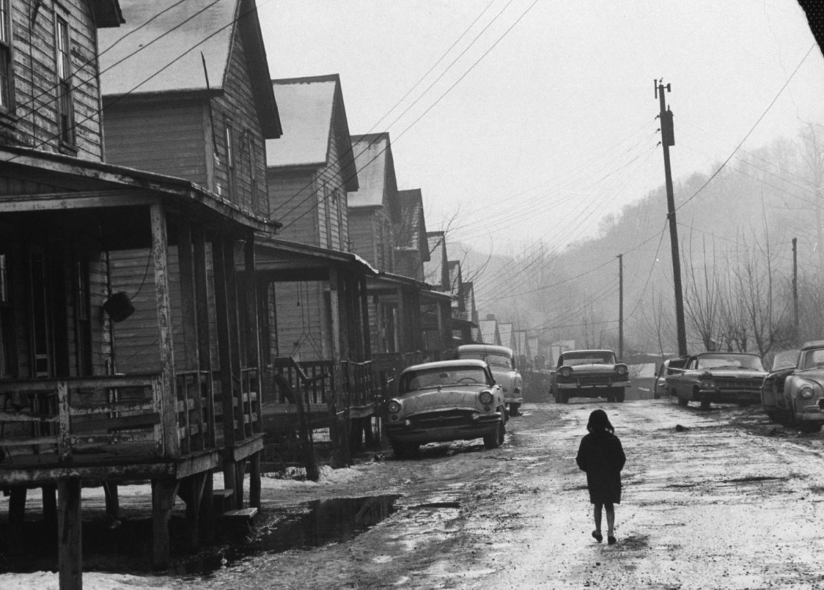 bygoneamericana:  Appalachia, eastern Kentucky, 1964. By John Dominis