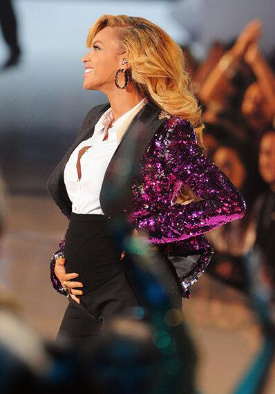 Beyonce - IT'S OFFICIAL: Beyonce is pregnant with baby No. 2!    +  ://t.co/vnGOuafus8