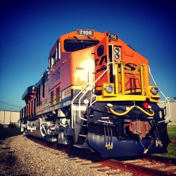 generalelectric:  A new Evolution Series locomotive being transferred from GE Transportation's test track to BNSF tracks for pickup.