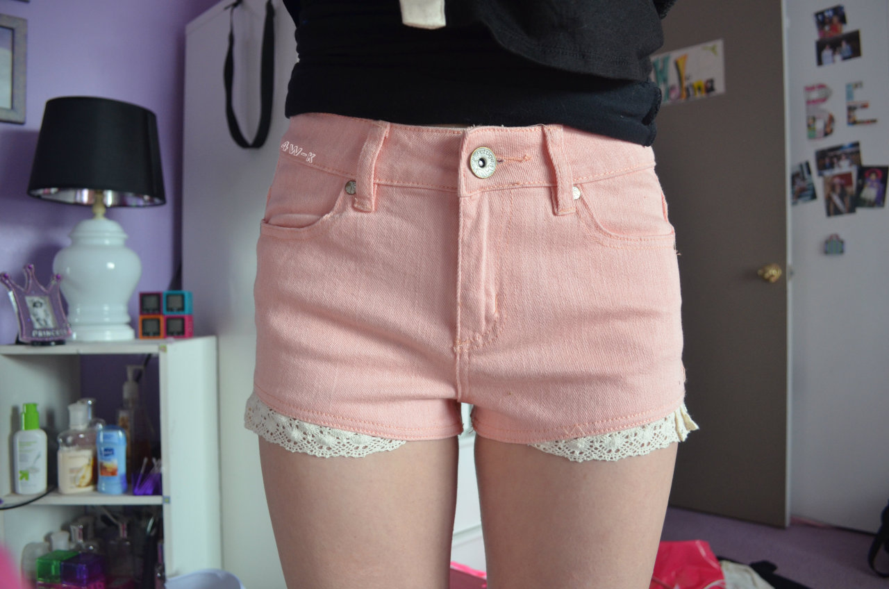 4w-k:  i like my shorts ok