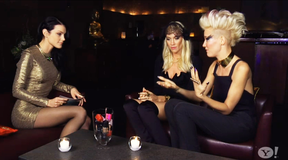 Jessica chatted with the Nervo sisters about their music, cool style, and new-found CoverGirl status on The Thread: http://bit.ly/JessicaTheThread10