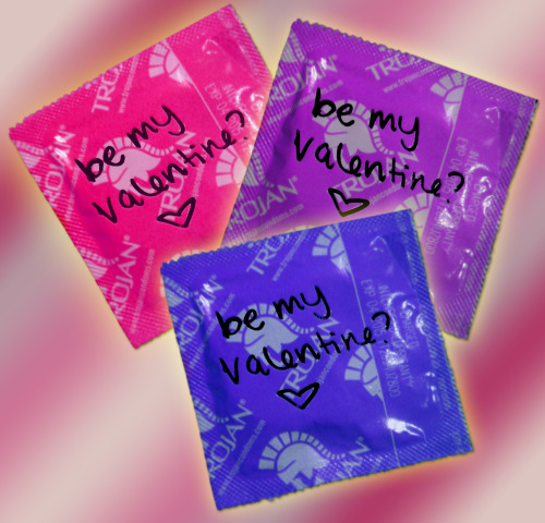 bisexual-community:  ♥  Be my Bisexual Valentine?  ♥