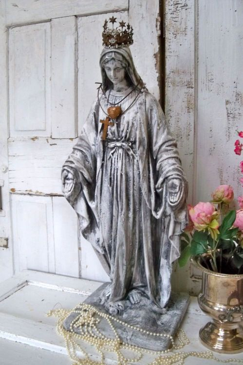 "Find this large Virgin Mary / Madonna on my: https://www.etsy.com/shop/AnitaSperoDesign Trompe-l'œil (French for ""deceive the eye"", pronounced [tʁɔ̃p lœj]), which can also be spelled without the hyphen in English as trompe l'oeil,[1] is an art technique involving realistic imagery in order to create the optical illusion that the depicted objects exist in three dimensions. Forced perspective is a comparable illusion in architecture."