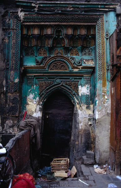 mediterraneum:  Door detail, Islamic Cairo, Egypt.