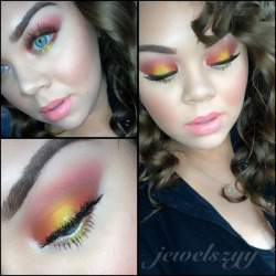 Who doesnt love to watch the sunset? Here is the tutorial created by Catherine on how to achive this amazing look . Enjoy! xoxo