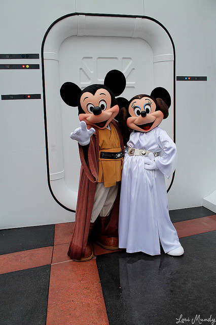 magicaldisneyworld:  Jedi Mickey and Princess Leia Minnie on Flickr.