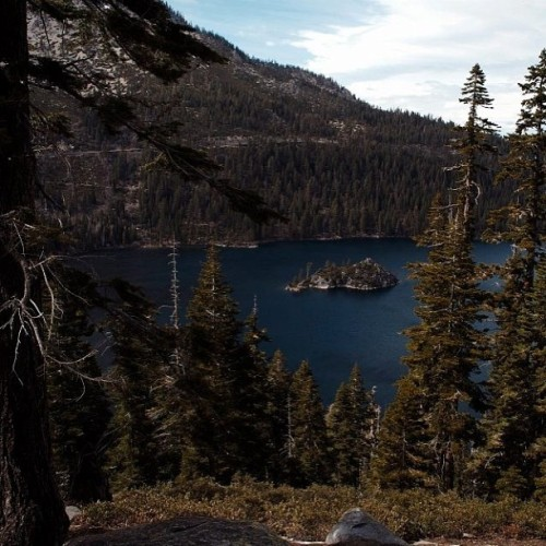 From the Archives | Emerald Bay, Lake Tahoe, CA @worldplaces #worldplaces #photo #photography #pic #picoftheday #photooftheday #bestoftheday #beauty #beautiful #instahub #insta #instagood #instagreat #instagramhub #instagrammers #webstagram #california_igers #igers #igerssandiego #californialove #like #follow #instalike #instalove #awesome #tahoe #nature #travel #landscape #ink361