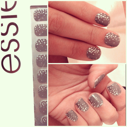 Finally got my hands on the new Essie nail wraps! Love love love.