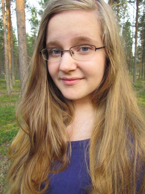 Heta, 14, Finland. I love Tegan & Sara, Mean Girls and Modern Family. Hit me up, I love meeting new people! :) were-reaching-for-divinity.tumblr.com