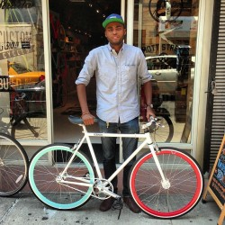Ronny from @thecitydontsleep just picked up a ride for this sunny day #stradacustoms
