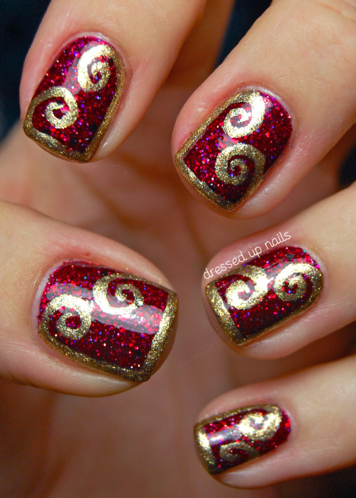 Shimmer Polish Karina with gold half-frame swirls freehanded in Zoya Ziv! I love the simplicity of these and how elegant they look. Plus Karina, the base polish, is seriously stunning. I can't get enough. Check out the full post for more pics and words as well as some pics of Karina on her own! Facebook | Instagram @dressedupnails