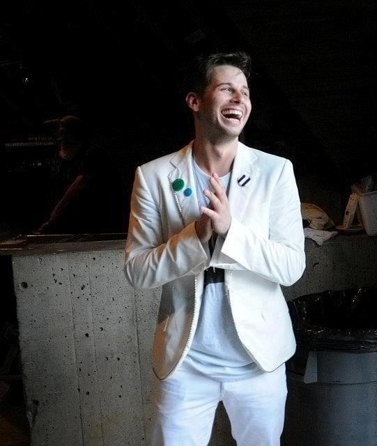 an-indie-penguin:  mshobo:  radicalranger:  Mark Foster   He looks so happy!