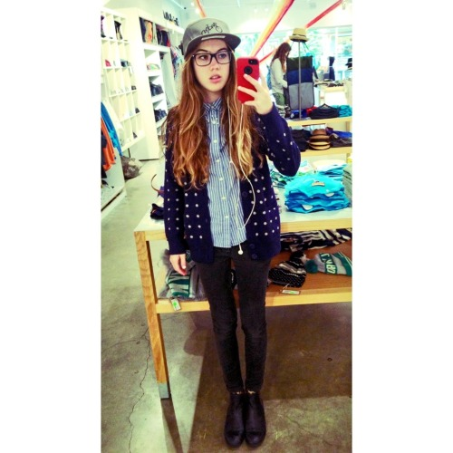 siren-lullabies:  i adore my new hat