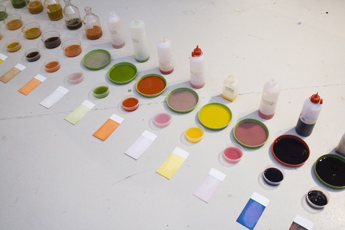 berlinfarmlab:  Graphic designers making their own natural ink.