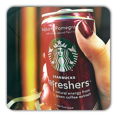 #Matches my #nails. #Starbucks ❤💅