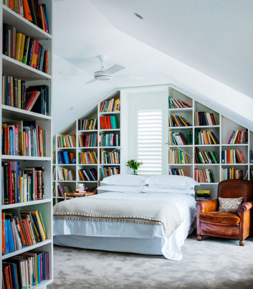 myidealhome:   awesome room filled with books (via desire to inspire)