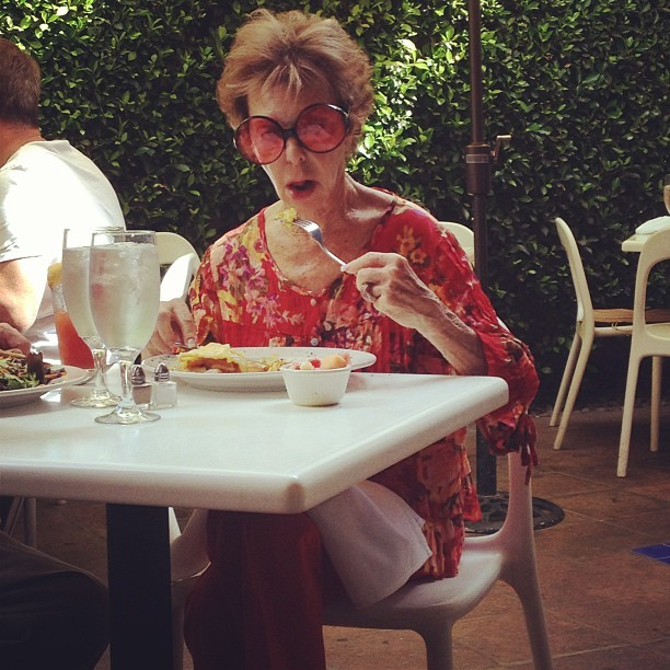 We just love Palm Spring's fabulousness! Our friend is rocking the sunglasses and outfit for brunch! #loveit!  (at Jake's)