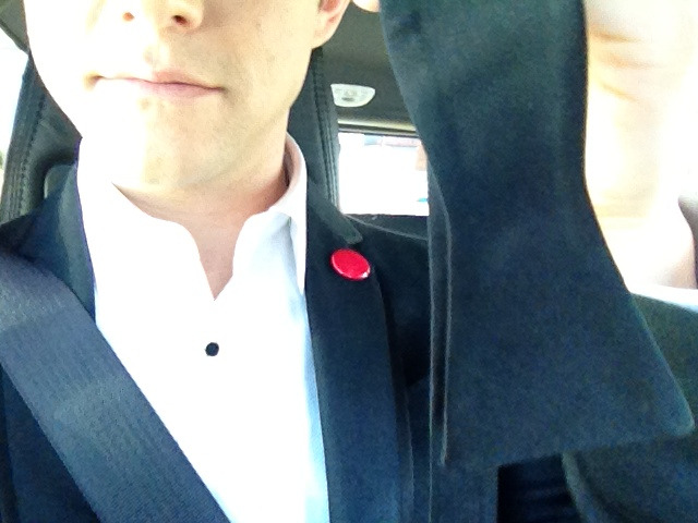 bohemea:  hitrecordjoe:  On the way to pick up my hot date. Hope she knows how to tie a bow tie. :O) #Oscars  AHHHHH! *sob*