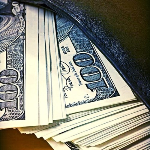 Whats In Your Wallet! #stacks #maxxmuzik #teamnoequal #teamearly #turntup #famous #fametube #entertainment #streets #streetteam #f4f #fans #fanclub #racks #philly2ny #philly #mtv #mtv2 #vh1 #bet #hbo #music #star #swag #support #work #watchme #greatness #madeinamerica #maxxproductionsstudio  (at Maxx Productions Studio)
