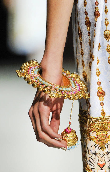 detail manish arora