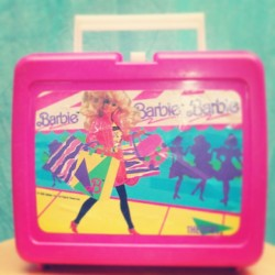 I wish I still had this 😔 #tbt #throwback #thursday #iwish #barbie #lunchbox #90s #vintage #killinit #elementaryschool #riverplaza #sandwich #snacks #caprisun #maybealunchable #thanksmom #thelife