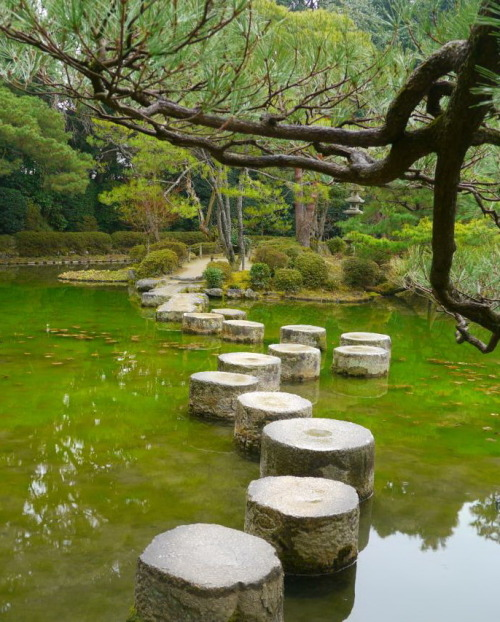 visitheworld:  Heian Shrine Gardens in Kyoto, Japan (by PapaCuppa).
