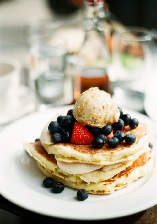 vintagefoods:  ricotta pancakes w/ honeycomb butter (by the cheshire smile)