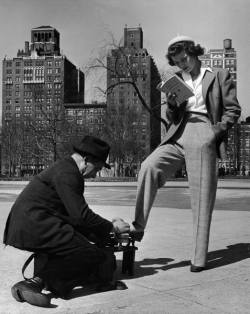 fewthistle:  Shoe Shine and First Aid. Washington Square Park. 1968. Photographer: Nina Leen