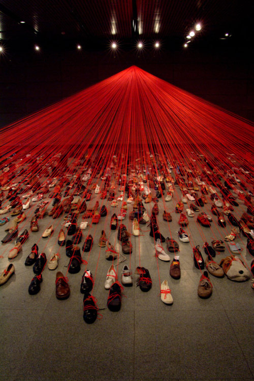 artruby:  Chiharu Shiota, Dialogue from DNA, (2004).