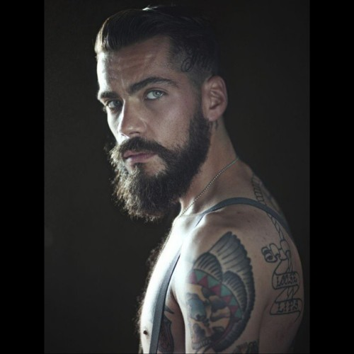 tattoos bearded tattoedman manwithtattoos inkedman greeneyes tattooed beardsofinstagram tattoosofinstagram instasize tattogram welovebeards inkedboy malemodel handsome suicideboy mancrush instabeard
