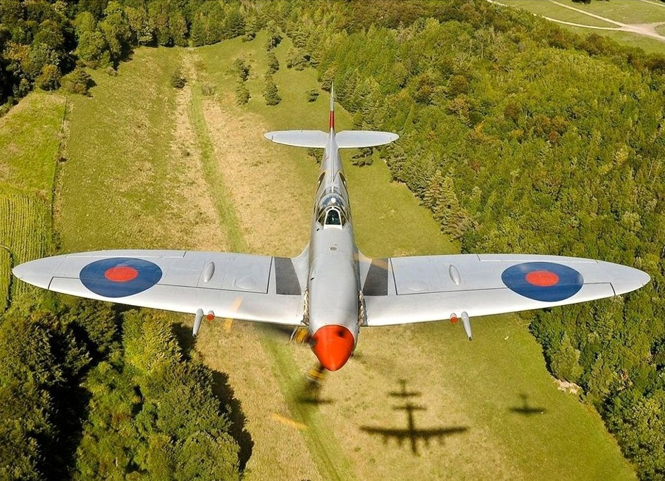 ferdinand-von-portus:  Supermarine Spitfire Mk IXe sn MK356 UF*Q from The Battle of Britain Memorial Flight. Photo: Jim Robinson (BBMF)