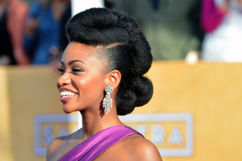 Actress Teyonah Parris arrives at the 19th Annual Screen Actors Guild Award. Posting for the incredible natural hair and style. Just beautiful.