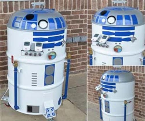 R2D2 Portable BBQ http://star-wars-daily.tumblr.com