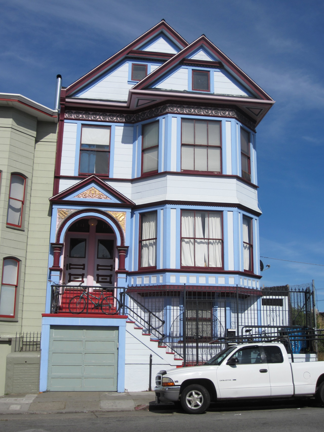 vintagebayareahomes:  Colorful Victorian, Mission District, San Francisco CA.