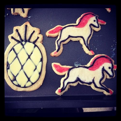The icing is a little trickier than I anticipated 😁 #pineapple #unicorn #magical #aloha #hawaii #cookie